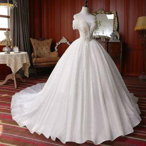 Beste Weiß Hochzeits Brautkleider / Hochzeitskleider 2020 Ballkleid Off Shoulder Kurze Ärmel Rückenfreies Perlenstickerei Quaste Glanz Tülle Kapelle-Schleppe Rüschen
