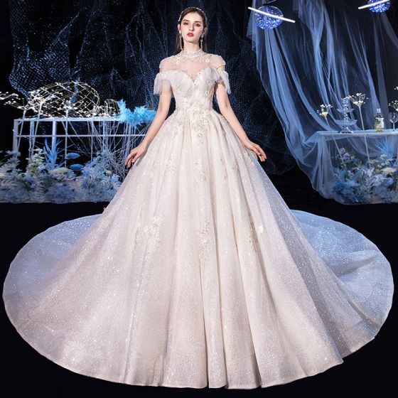 Vintage / Retro Ivory Bridal Wedding Dresses 2020 Ball Gown High Neck Short Sleeve Backless Appliques Lace Beading Glitter Tulle Cathedral Train Ruffle