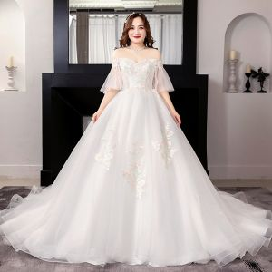 Modest / Simple White Plus Size Ball Gown Wedding Dresses 2019 Lace Tulle 1/2 Sleeves Appliques Backless Embroidered Strapless Chapel Train Wedding