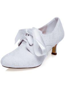 Vintage Geborduurde Satijnen Trouwschoenen Witte Pumps Bruidsschoenen Naaldhakken
