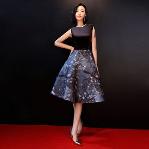 Chic / Beautiful Black Graduation Dresses 2018 A-Line / Princess U-Neck Flower Printing Polyester Homecoming Cocktail Party Formal Dresses
