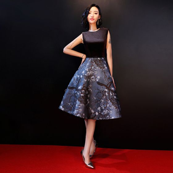 Chic Beautiful Black Graduation Dresses 2018 A Line Princess U Neck Flower Printing Polyester Homecoming Cocktail Party Formal Dresses