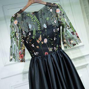 Chic / Belle Noir Robe De Ceremonie Robe De Soirée 2017 En Dentelle Fleur Encolure Dégagée 1/2 Manches Courte Princesse