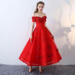 Schöne Rot Abendkleider 2017 Spitze Bandeau Applikationen Rückenfreies Stickerei Drucken Festliche Kleider