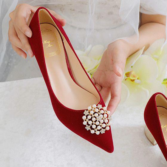 Élégant Rouge Chaussure De Mariée 2021 Perle 5 cm Talons Épais Talon Bloc À Bout Pointu Mariage Escarpins Talons Hauts