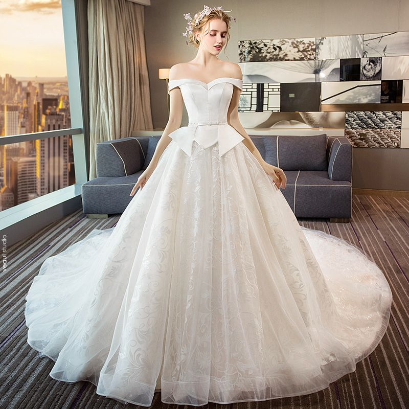 Elegant Ivory Wedding Dresses 2018 Ball Gown Beading Bow Lace Off-The-Shoulder Backless Sleeveless Royal Train Wedding