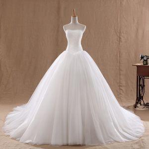 Niedrogie Białe ślubna Suknie Ślubne 2020 Suknia Balowa Kochanie Bez Rękawów Bez Pleców Trenem Kaplica Wzburzyć