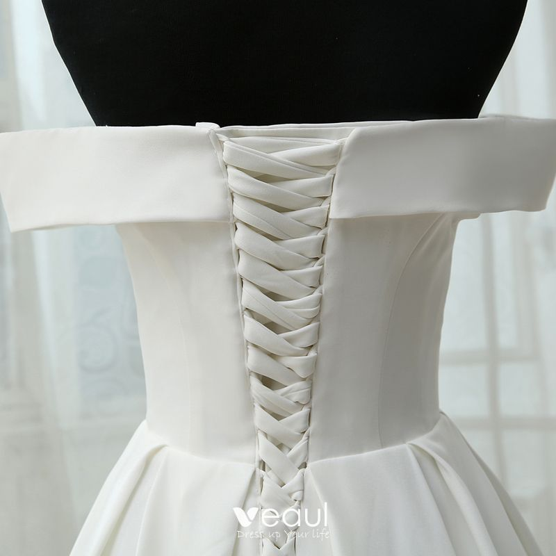 Modest / Simple White Wedding 2017 A-Line / Princess Strapless Crossed Straps Striped Backless Strappy Court Train Wedding Dresses