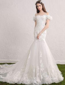 Elegante Nixe Hochzeitskleider 2017 Weg Von Der Schulter Applique Spitze Und Blumen Brautkleider