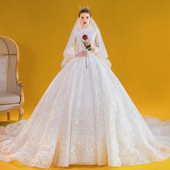 Vintage / Retro Ivory Ball Gown Wedding Dresses 2020 High Neck Lace Flower Long Sleeve Royal Train