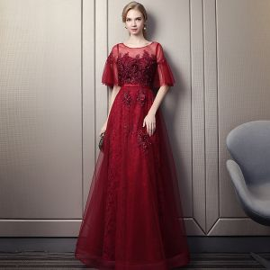 Chic / Beautiful Burgundy Prom Dresses 2018 Empire Scoop Neck 1/2 Sleeves Appliques Flower Pearl Beading Rhinestone Sash Floor-Length / Long Ruffle Backless Formal Dresses