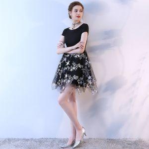 Stylowe / Modne Czarne Sukienki Na Studniówke 2017 Princessa Koronkowe U-Szyja Aplikacje Koktajlowe Kótkie Rękawy Homecoming Sukienki Wizytowe