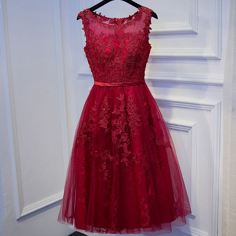 Chic / Beautiful Red Graduation Dresses 2017 Lace Flower Sequins Short Scoop Neck Sleeveless A-Line / Princess Formal Dresses