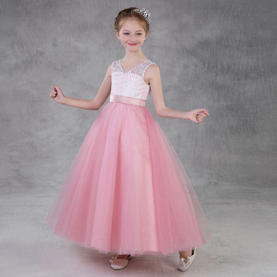Schöne Pink Mädchenkleider 2018 A Linie V-Ausschnitt Ärmellos Applikationen Mit Spitze Stoffgürtel Lange Rüschen Rückenfreies Kleider Für Hochzeit