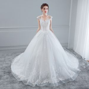 Elegant White Wedding Dresses 2018 Ball Gown Lace Flower Beading Sequins V-Neck Backless Sleeveless Chapel Train Wedding