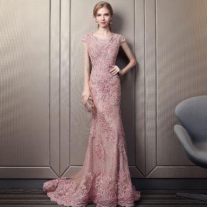 Elegante Pink Spitze Abendkleider 2018 Meerjungfrau Rundhalsausschnitt Ärmel Applikationen Spitze Perlenstickerei Perle Kapelle-Schleppe Festliche Kleider