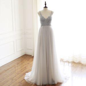 Edles Grau Handgefertigt Perlenstickerei Abendkleider 2019 A Linie V-Ausschnitt Strass Ärmellos Rückenfreies Lange Festliche Kleider