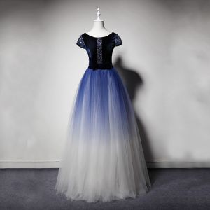 Luxury / Gorgeous Navy Blue Gradient-Color Suede Prom Dresses 2019 A-Line / Princess Scoop Neck Short Sleeve Beading Rhinestone Bow Sash Floor-Length / Long Ruffle Formal Dresses