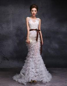 Trumpet / Mermaid Urringning Golv Längd Lång Piercade Tyll Bröllopsklänningar Med Paljetter