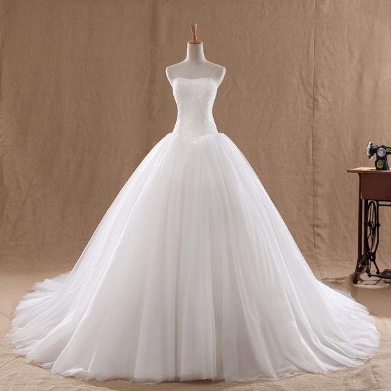 Affordable White Bridal Wedding Dresses 2020 Ball Gown Sweetheart Sleeveless Backless Chapel Train Ruffle