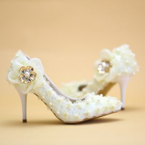 Affordable Champagne Wedding Shoes 2019 Appliques Pearl Lace Flower 8 cm Stiletto Heels Pointed Toe Wedding Pumps