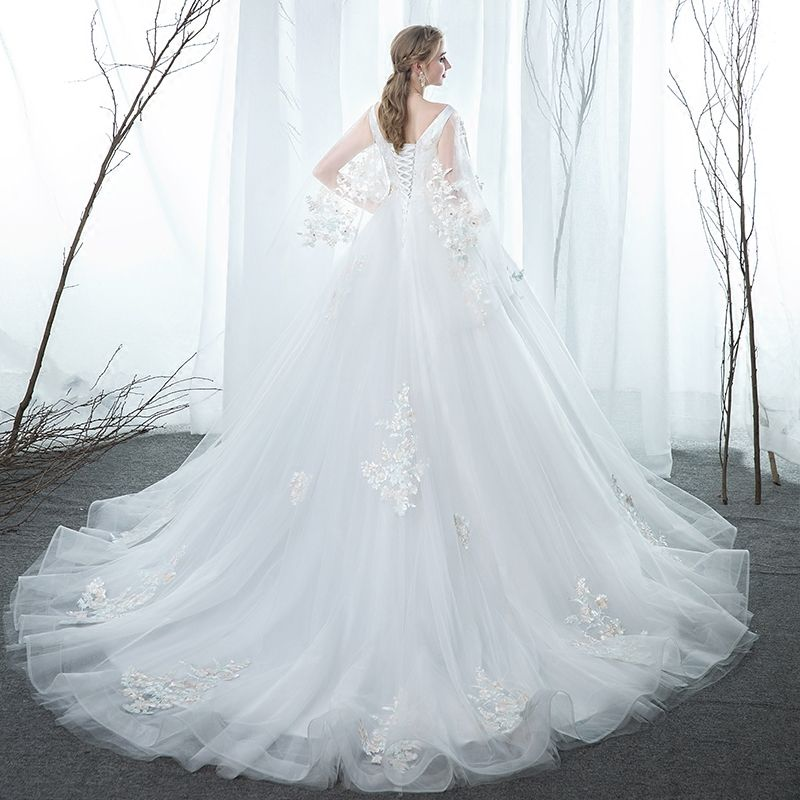 Modern / Fashion White Pregnant Wedding Dresses 2019 Empire V-Neck Lace Flower Rhinestone Sleeveless Backless Chapel Train