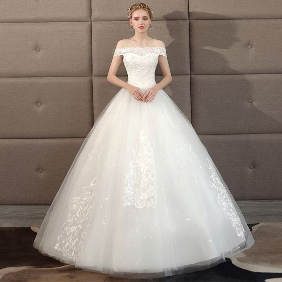 Affordable Ivory Wedding Dresses 2018 Ball Gown Lace Flower Off-The-Shoulder Backless Floor-Length / Long Wedding