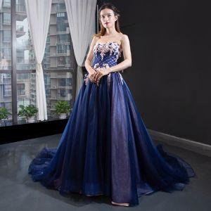 Wysokiej Klasy Królewski Niebieski Sukienki Wieczorowe 2020 Princessa Kochanie Bez Rękawów Aplikacje Z Koronki Frezowanie Trenem Sąd Wzburzyć Bez Pleców Sukienki Wizytowe