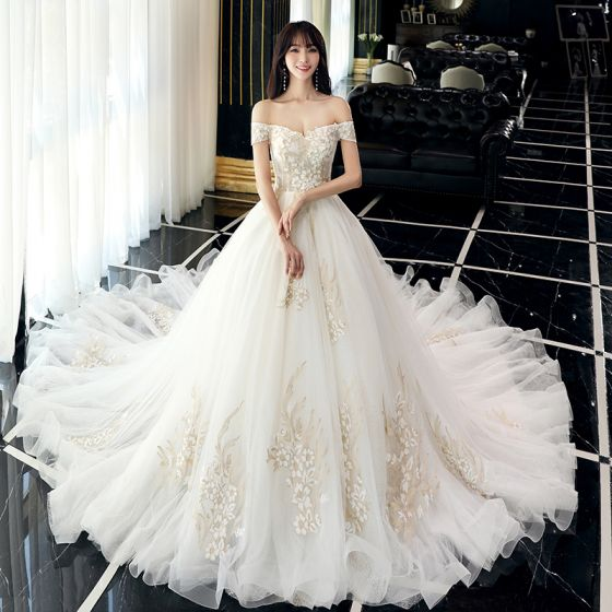 Elegant Champagne Wedding Dresses 2018 Ball Gown Appliques Lace Flower Off-The-Shoulder Backless Sleeveless Cathedral Train Wedding
