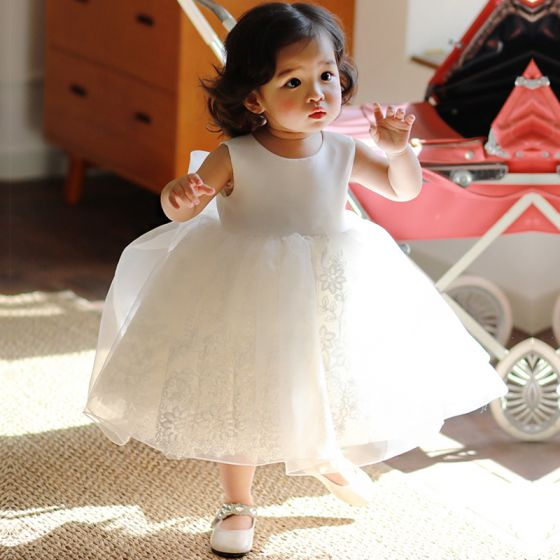 Best White Organza Birthday Flower Girl Dresses With Shawl 2020 Ball Gown Scoop Neck Sleeveless Bow Tea-length Ruffle Wedding Party Dresses