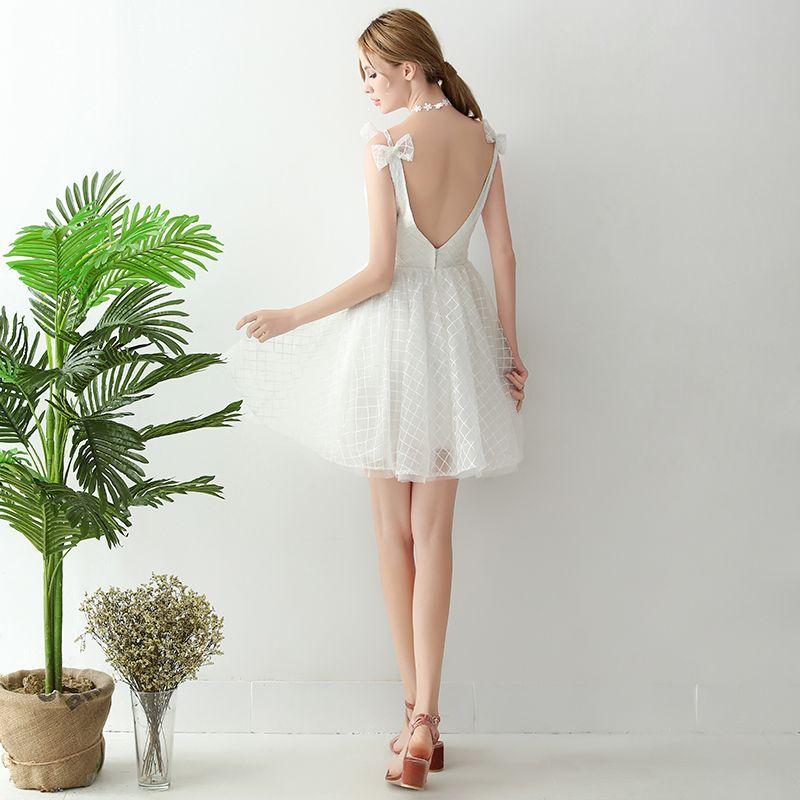 Sparkly White Graduation Dresses 2018 A-Line / Princess Tulle V-Neck Striped Backless Homecoming Formal Dresses