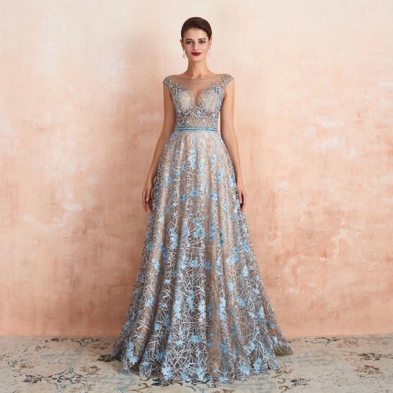 Luksusowe Szampan Przezroczyste Sukienki Wieczorowe 2020 Princessa Wycięciem Bez Rękawów Błękitne Aplikacje Z Koronki Frezowanie Długie Wzburzyć Sukienki Wizytowe