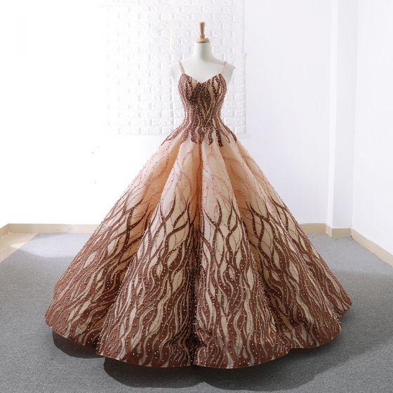 Magnífico Oro Marrón Bailando Vestidos de gala 2020 Ball Gown Spaghetti Straps Sin Mangas Apliques Con Encaje Rebordear Perla Largos Ruffle Sin Espalda Vestidos Formales
