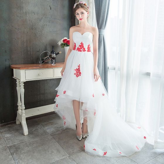 Affordable White Summer Beach Wedding Dresses 2019 A Line Princess Sweetheart Sleeveless Backless Red Appliques Lace Asymmetrical Ruffle