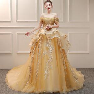 Luksusowe Złote Suknie Ślubne 2019 Suknia Balowa Przy Ramieniu Kótkie Rękawy Bez Pleców Aplikacje Z Koronki Wykonany Ręcznie Frezowanie Cekiny Trenem Katedra Wzburzyć