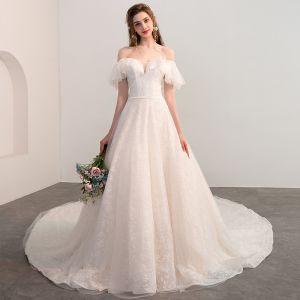 Bling Bling Champagner Brautkleider / Hochzeitskleider 2018 A Linie Off Shoulder Kurze Ärmel Rückenfreies Glanz Spitze Kathedrale Schleppe
