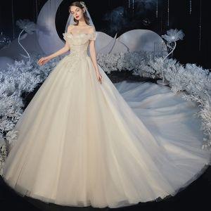 Romántico Champán Boda Vestidos De Novia 2020 Ball Gown Fuera Del Hombro Manga Corta Sin Espalda Glitter Tul Apliques Con Encaje Rebordear Cathedral Train Ruffle