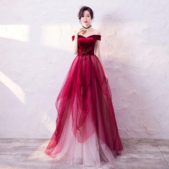 Wysokiej Klasy Burgund Sukienki Wieczorowe 2020 Princessa Przy Ramieniu Kótkie Rękawy Aplikacje Z Koronki Frezowanie Cekinami Tiulowe Długie Wzburzyć Bez Pleców Sukienki Wizytowe