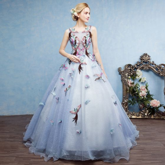 Hermoso Azul Cielo Vestidos de gala 2017 Ball Gown Scoop Escote Sin Mangas Apliques mariposa Bordado Chapel Train Sin Espalda Traspasado Vestidos Formales