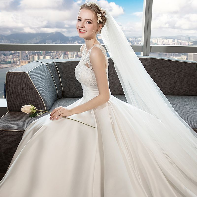 Classic Ivory Wedding Dresses 2018 A-Line / Princess Lace Flower Scoop Neck Backless Sleeveless Cathedral Train Wedding