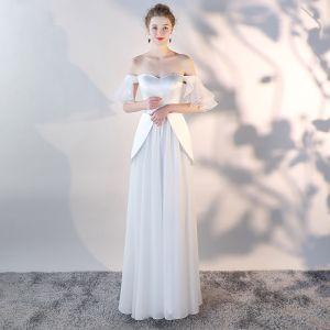 Niedrogie Białe Szyfon Sukienki Wieczorowe 2018 Princessa Przy Ramieniu Kótkie Rękawy Długie Wzburzyć Bez Pleców Sukienki Wizytowe