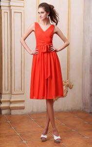 Chiffon V Neck Sleeveless Bowtie Sash Knee Length Bridesmaid Dresses