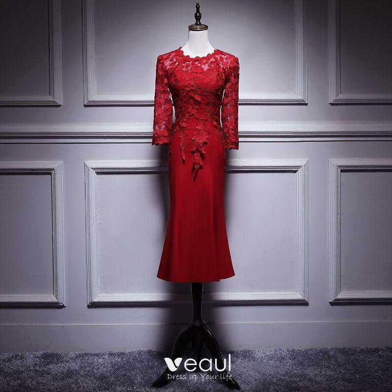 Elegante Burgunderrot Brautmutterkleider 2019 Rundhalsausschnitt 3 4 Armel Applikationen Durchbohrt Spitze Wadenlang Ruschen Kleider Fur Hochzeit