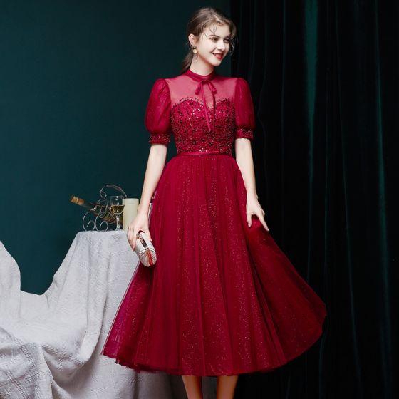 Vintage Burgunderrot Ballkleider 2020 Ballkleid Durchsichtige Stehkragen Geschwollenes Kurze Ärmel Perlenstickerei Glanz Tülle Wadenlang Rüschen Festliche Kleider