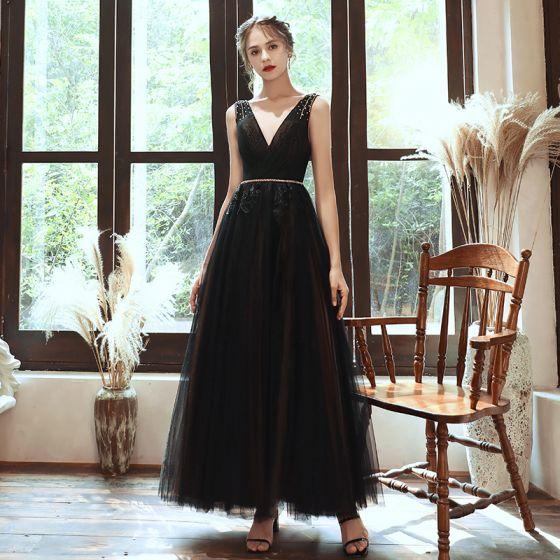 Elegante Schwarz Abendkleider 2020 A Linie Tiefer V-Ausschnitt Ärmellos Perlenstickerei Stoffgürtel Lange Rüschen Rückenfreies Festliche Kleider