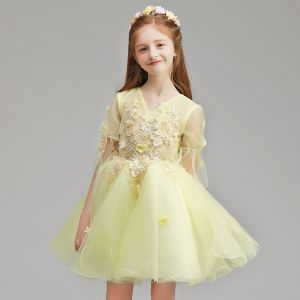 Chic / Beautiful Yellow Flower Girl Dresses 2019 A-Line / Princess V-Neck 1/2 Sleeves Appliques Lace Flower Pearl Short Ruffle Wedding Party Dresses