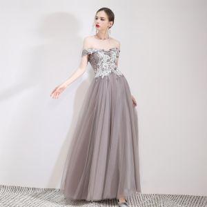 Schöne Grau Abendkleider 2019 A Linie Off Shoulder Spitze Blumen Applikationen Kurze Ärmel Rückenfreies Lange Festliche Kleider