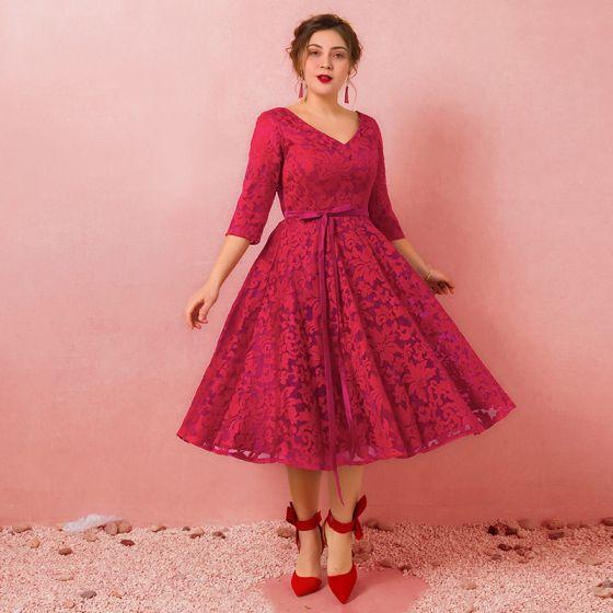 df703923ef47 lovely-burgundy-plus-size-graduation-dresses-2018-a-line-princess-tulle -v-neck-lace-up-appliques-backless-homecoming-formal-dresses-560x560.jpg
