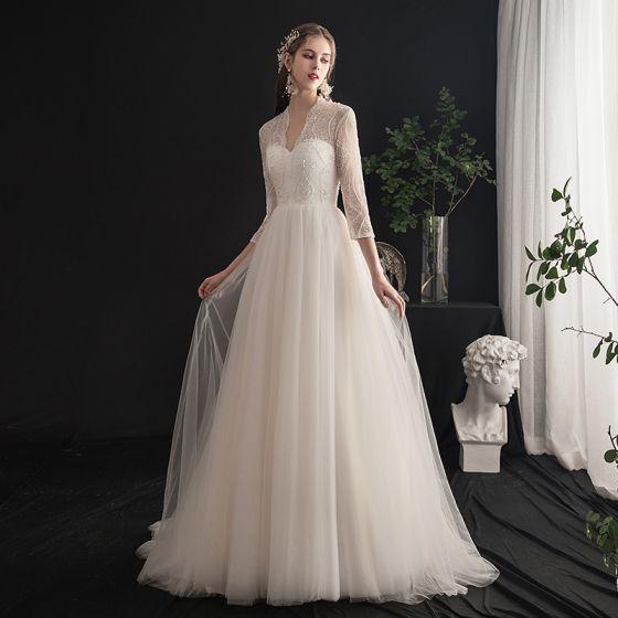 Lätt Elfenben Bröllopsklänningar 2019 Prinsessa V-Hals Beading Pärla Spets Paljetter 3/4 ärm Halterneck Svep Tåg