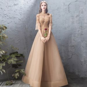 Elegante Gold Abendkleider 2019 A Linie Spitze Perlenstickerei Kristall Stehkragen Rückenfreies 1/2 Ärmel Lange Festliche Kleider